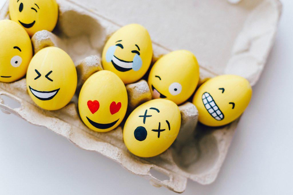 Bricoler avec des boîtes d'œufs : un bricolage facile pour enfants !